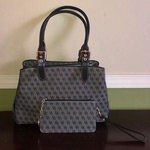🆕 Dooney & Bourke   Signature bag & long wristlet